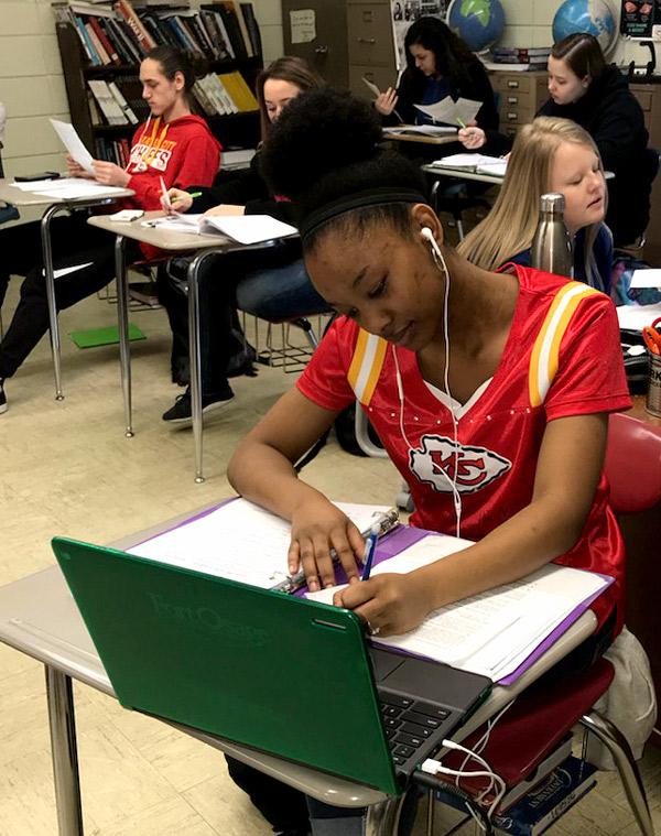 Junior Ardaysia Fenner sports a Kansas City Chiefs shirt in celebration of Staycation/Vacation Day. Courtwarming spirit week started Monday and continues until Friday, Jan. 26.