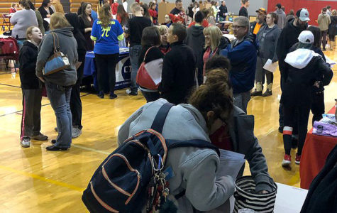 Incoming 9th graders explore classes, extracurricular activities