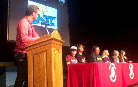 6 athletes sign Letters of Intent