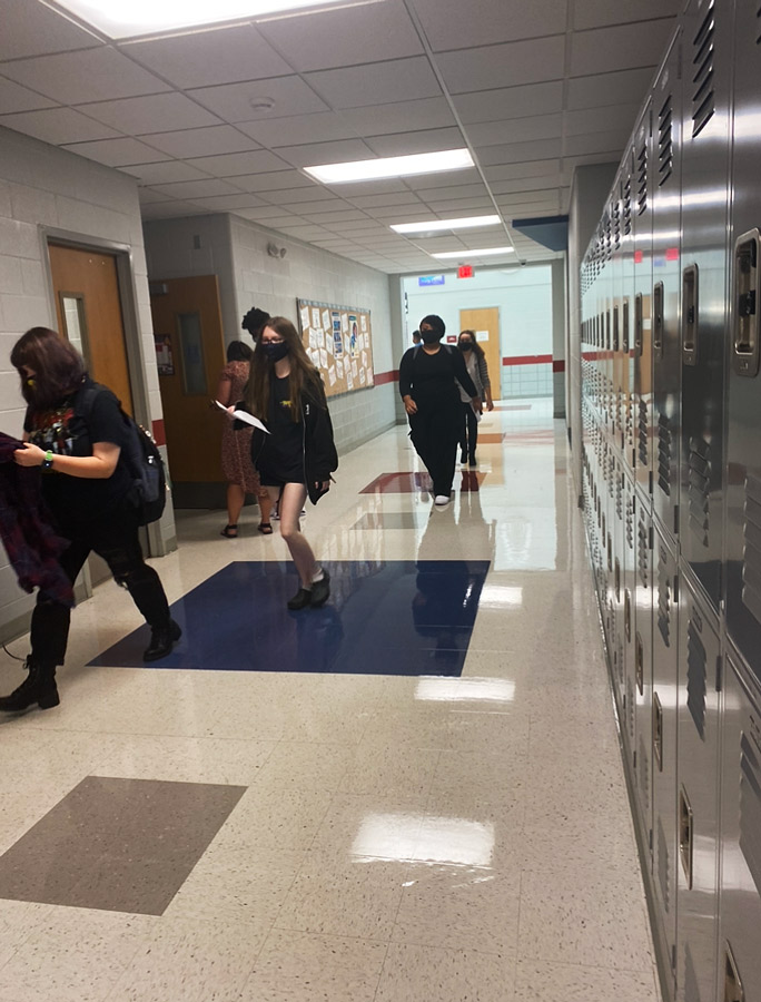 Students return to school with mask mandate in place